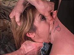 Aziatike Bjondinat Thithje Thell Në Fyt Masturbime