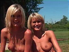 Блондинки Свирки Бръснати Трио