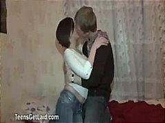 ברונטיות אירופאיות שיפשוף צעירות נשיקות