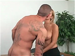 Anal Rambut Pirang Sepong Tindik Artis Porno