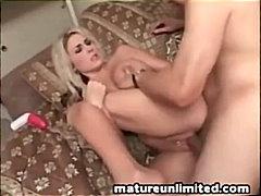 Plavuše Svršavanje Svršavanje Po Faci Masturbacija Mamare