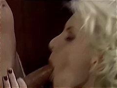 Блондинки Свирки Класика Дълбоко В Гърлото Милф