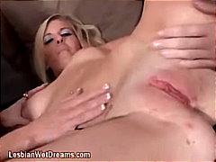 Blondid Lesbi Rõngastamine Pornostaar Tätoveering