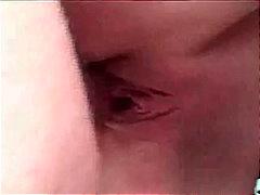 מציצות ברונטיות גמירות עמוק לגרון פנים