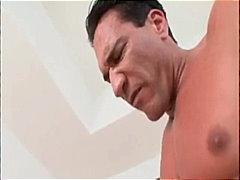 בלונדיניות מציצות גמירות גמירה על הפנים