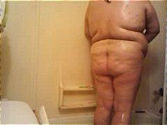 חובבניות מלאות מקלחת