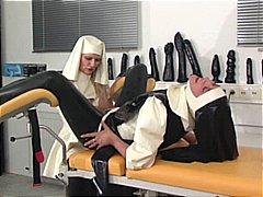 אנאלי סאדו חליפות גומי