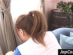 אסיאתיות מעודדות פטיש יפניות מדים