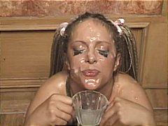 Bionde Bukkake Eiaculazione Con Bersaglio Giochino Sexy Facciale