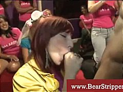 Girl gets a white facial by black dick