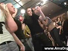חובבניות שיכורות זיון במעגל אורגיות מסיבה