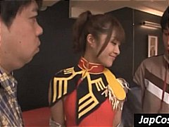 אסיאתיות מציצות יפניות שלושה משתתפים מדים