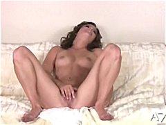 Бринета Секс со помлади Мастурбација Зрели за секс