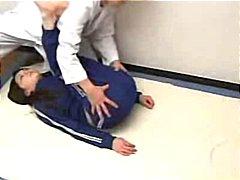 אסיאתיות רופא יפניות עיסוי ציצים