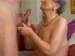 חובבניות מציצות סבתות