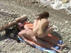 חובבניות חוף חזה גדול