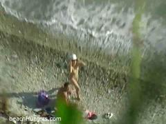 חובבניות חוף מבוגרות