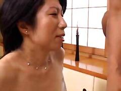 אסיאתיות יפניות מבוגרות