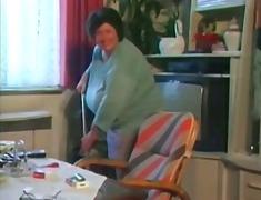 מלאות ציצים סבתות