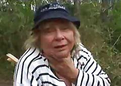 מלאות חזה גדול סבתות