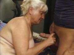 מלאות סבתות