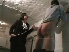تقييد وسادية نساء مسيطرات ضرب الطيز
