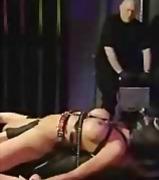 סאדו הצלפות קבוצתי אביזרי מין