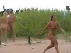 Na plaži V javnosti