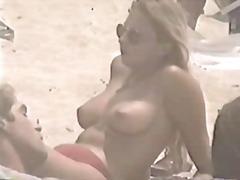 חוף ציצים מצלמה נסתרת בלונדיניות