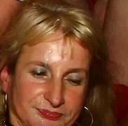 सुनहरे बाल वाली मुखमैथुन