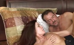 Бринета Милф Порно ѕвезда Големи цицки Голем газ