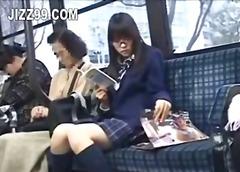 亚洲妞 吹箫 日本A片 学校系列 日本A片