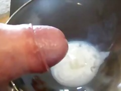 I am cumming and showing my semen...