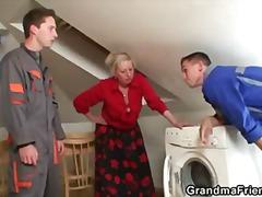 Vanaema Koduperenaine Küps Emme Tõeline