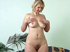 Masturbácia Staršie ženy Milfky