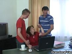 Granny Hausfrau Reif Mutti Realität