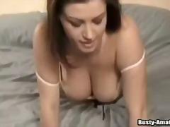Beib Brünetid Rinnakas Dildo Masturbeerimine