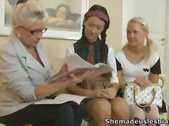 חובבניות לסביות מבוגרות צעירות שלושה משתתפים