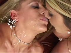 Hard Lesbisch Oraal Piercing Geschoren