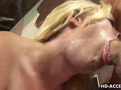 Blond Avsugning Ansiktsprut Porrstjärna