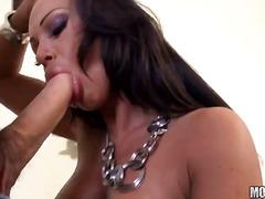 Dievčatá Brunetky Zadky Výstrek Na Tvár Tvrdé Porno