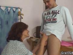 מציצות ברונטיות גמירות סבתות עבודה ידנית
