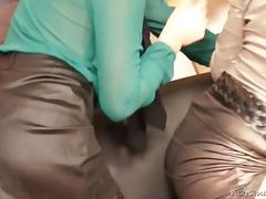 Հագնված Կարմրահերներ Սեքս Երեքով