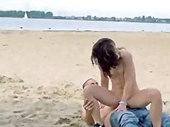 חוף הרדקור ציבורי