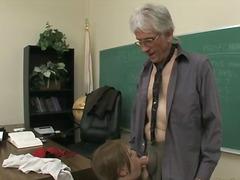 בית ספר מורות צעירות מבוגרות מבוגרות