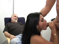 Orālais Sekss Brunetes Sievas Pišana Smagais Porno Mātes