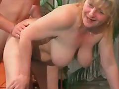Chubby busty mature gets that hairy