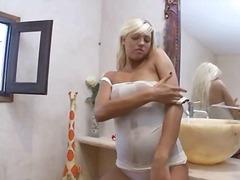 ציצים גדולים מקלחת