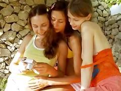 לסביות אוננות רוסיות צעירות שלושה משתתפים
