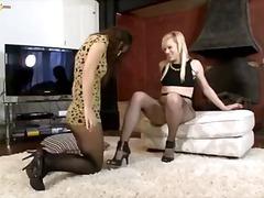 Blondinka Rjavolaska Lezbijka Masturbacija Oralno